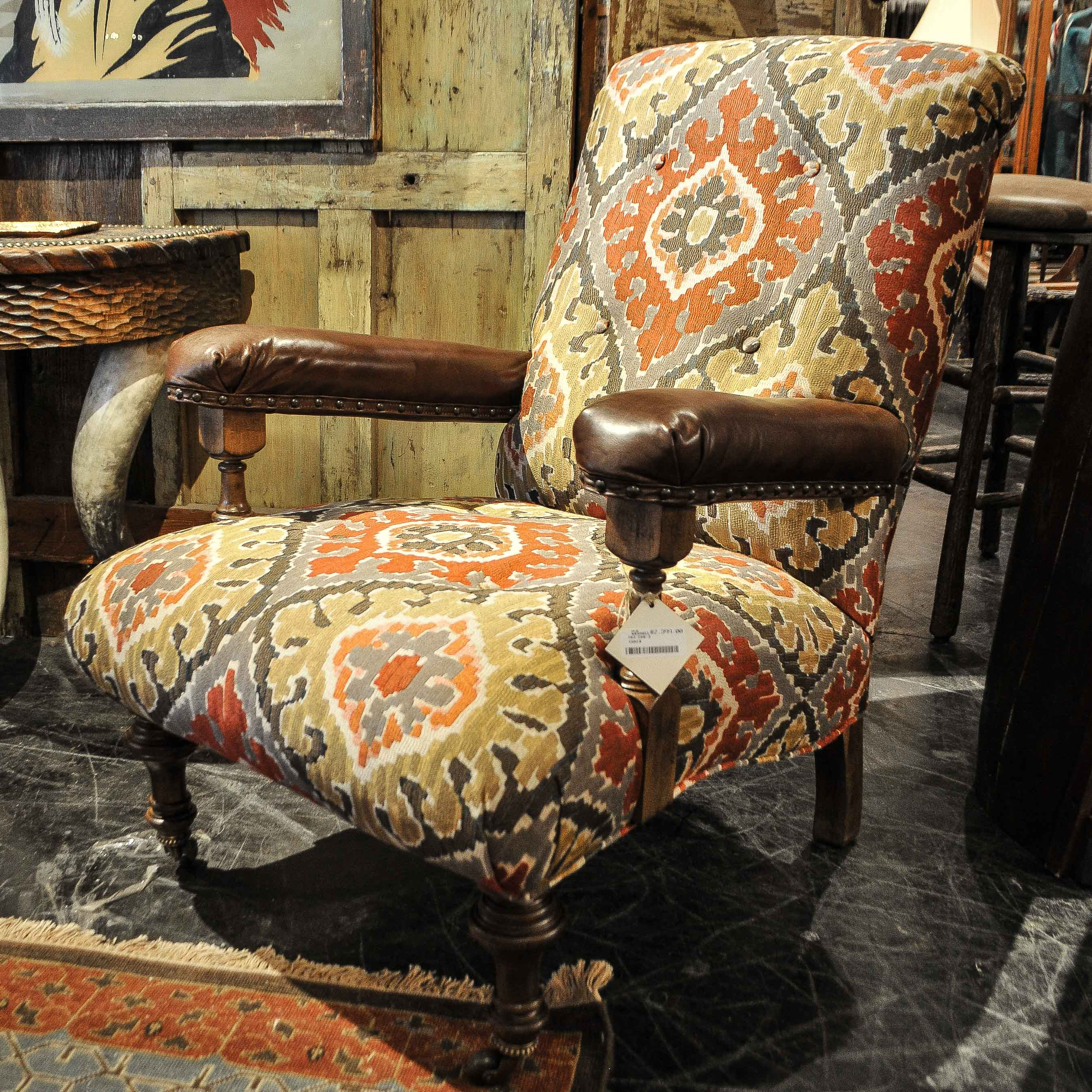 Incredible Rustic Accent Chair Anteks Gmtry Best Dining Table And Chair Ideas Images Gmtryco