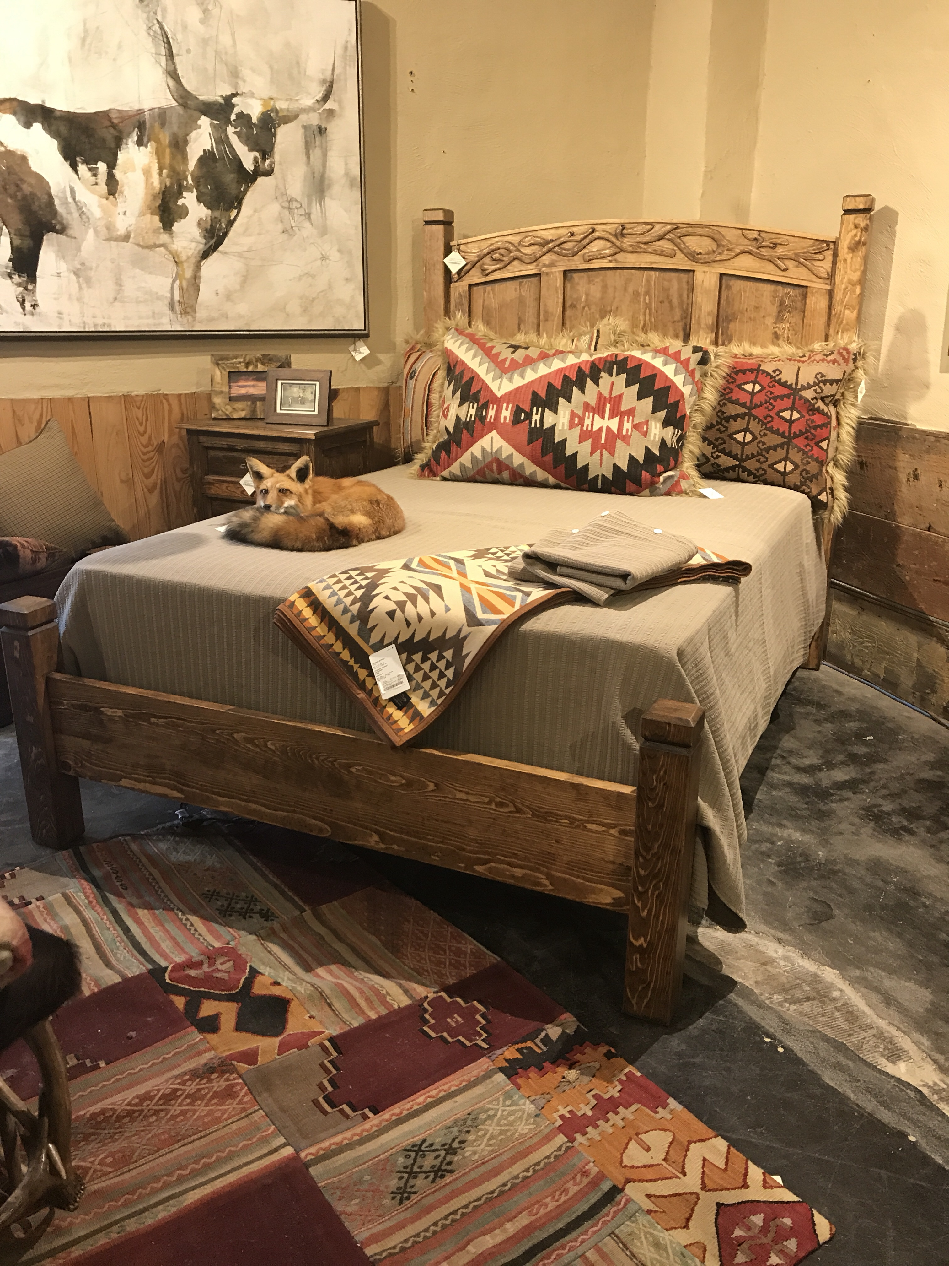 Acorn Carved Wood Queen Bed At Anteks Furniture Store In Dallas